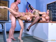 Parent teacher threesome - Brazzers